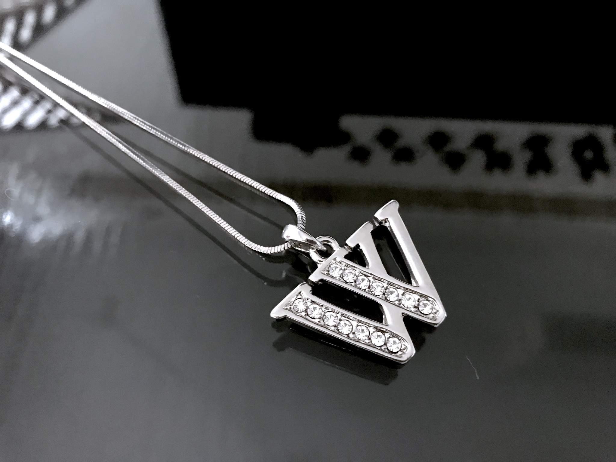 Betű nyaklánc bizsu nyaklánc